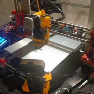 FDM 3D printer.